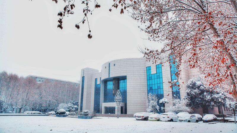 高校雪景图大合集来了,哪一张冷艳了你?