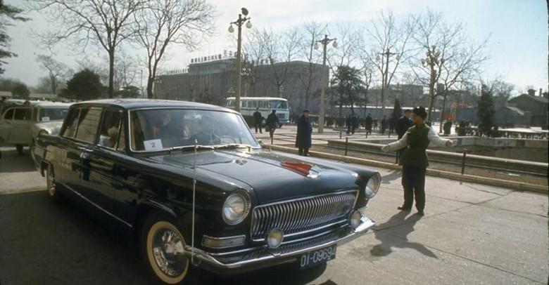 """""""红旗""""轿车很快成为了新中国国家级礼宾车,用于接待来华政要,"""