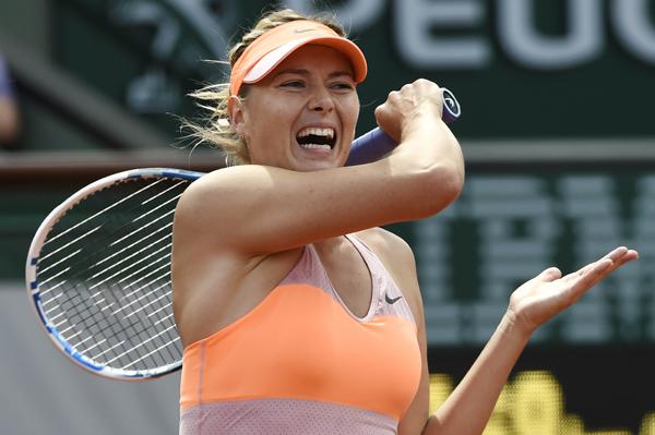 罗兰 俄罗斯/当地时间6月5日,俄罗斯选手莎拉波娃在比赛中回球。