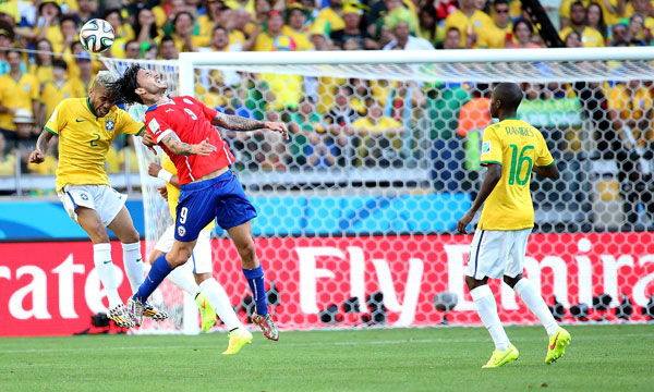 在巴西贝洛奥里藏特米内罗大球场进行的2014年巴西世界杯1/8决赛图片