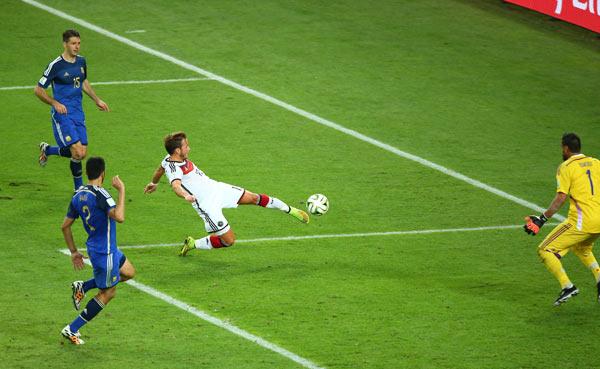 当日,在巴西里约热内卢马拉卡纳球场进行的2014年巴西世界杯决图片