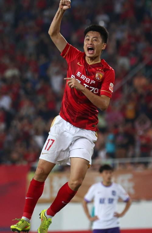 6月4日,廣州恒大隊球員劉健慶祝進球. 圖片:新華社發圖片