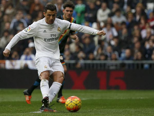 12月20日,皇马队球员C·罗纳尔多点球得分.当日,在2015至2016