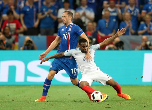 冰岛队以2比1战胜英格兰队
