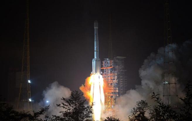 """亚太6C卫星成功发射 将助力""""一带一路"""""""