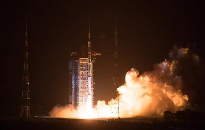我国高分五号卫星发射成功