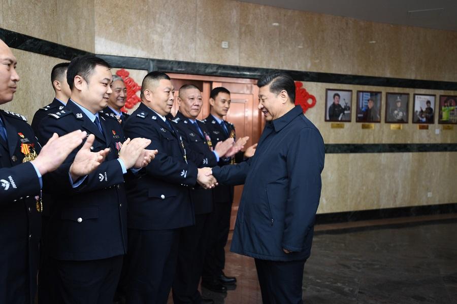 春节前夕习近平在京看望慰问基层干部群众