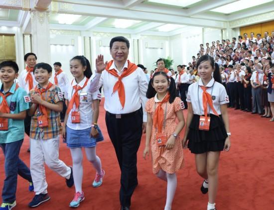 """六一特写:""""大朋友""""习近平这样给孩子们讲""""美丽中国梦"""""""
