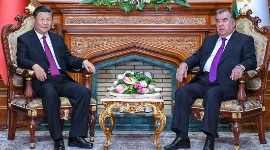w88优德官网同塔吉克斯坦总统拉赫蒙会谈