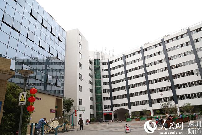 """深圳罗湖:""""医养结合"""" 为老人撑起健康保护伞"""