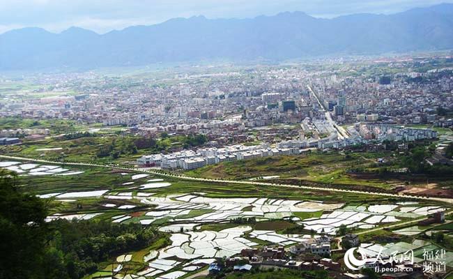 福建连城:昔日红色热土 今日绿色发展