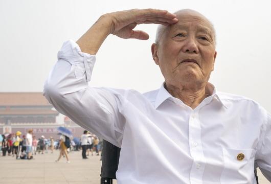 张富清:紧跟党走,做党的好战士