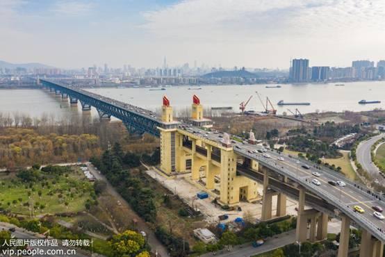 标志着国际桥梁界对中国桥梁工程自追梦vpn主创新的最典型代表——钢管混凝土拱桥的认可