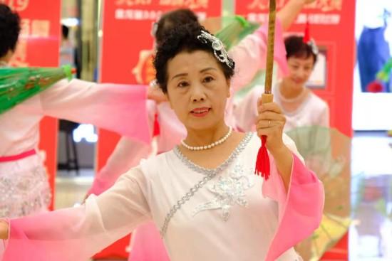 中国人为什么爱跳广场舞?