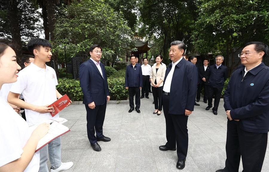星辉官方平台:习近平在河南南阳考察调研