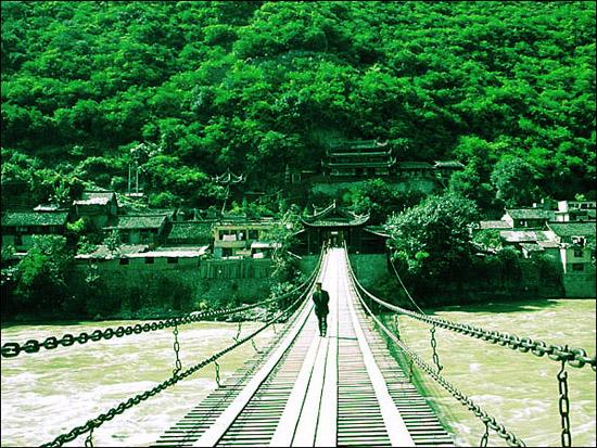 泸定铁索桥