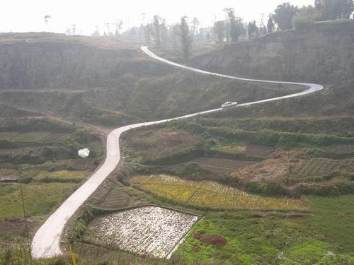 农村公路建设纪实