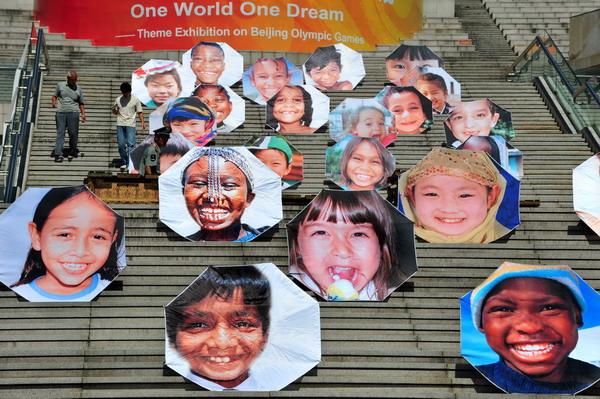 张世界各国儿童灿烂,纯真的笑脸至今让人记忆犹新