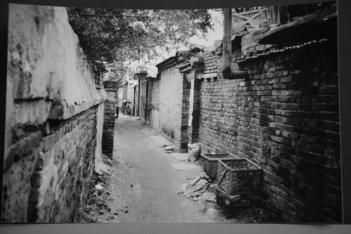 七十年代:第一次搬家带着一家4口住进了12平方米的小平房